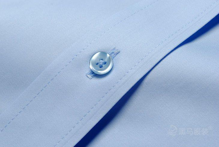 管理人员衬衫纽扣细节