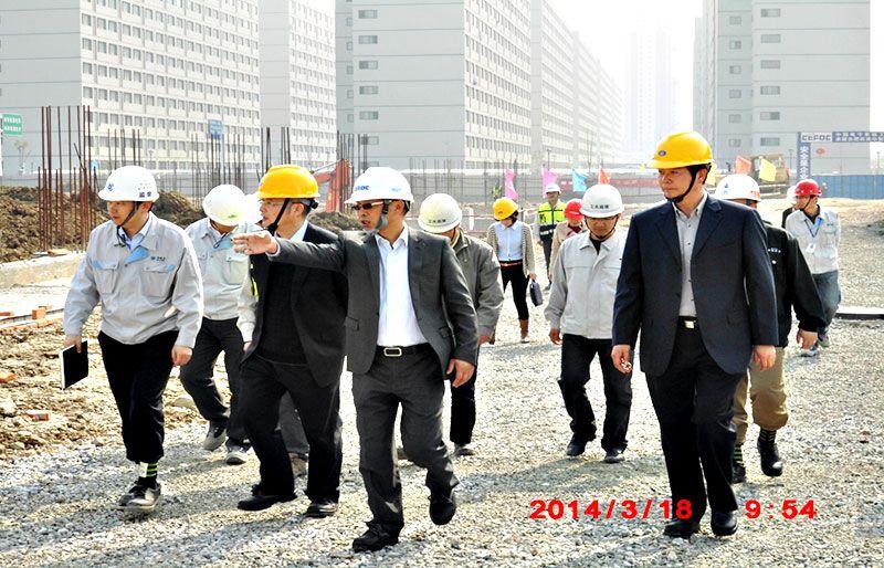 京东方工人施工考察