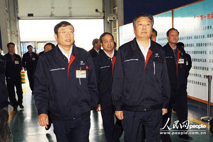 中航工业领导工作服图片